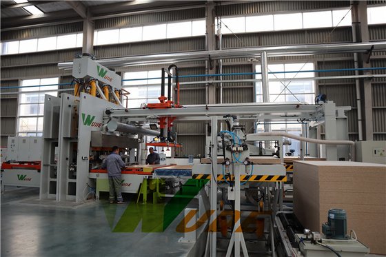 Automatic Cooling Low Pressure Laminate Machine / Short Cycle Hot Press Machine
