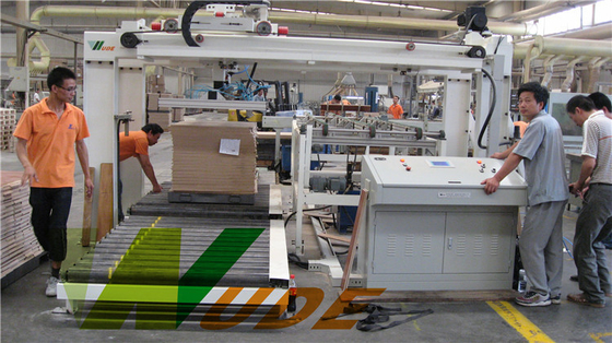Automated Operation Loading And Unloading Equipment For Flooring Production Line